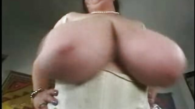 sexy retro masaje erotico termina en trio trío