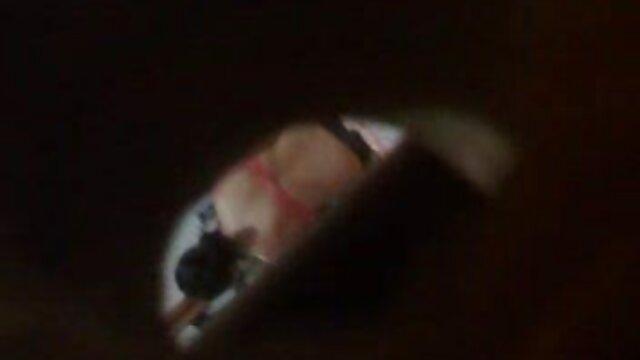 Morena videos eroticos amater gratis retro tetona se folla a sí misma profundamente en una liga de nailon