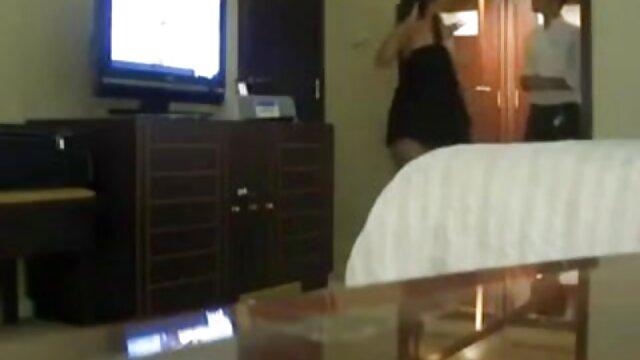 Follando a la esposa del vecino en cámara oculta pelicula eroticas de lesbianas