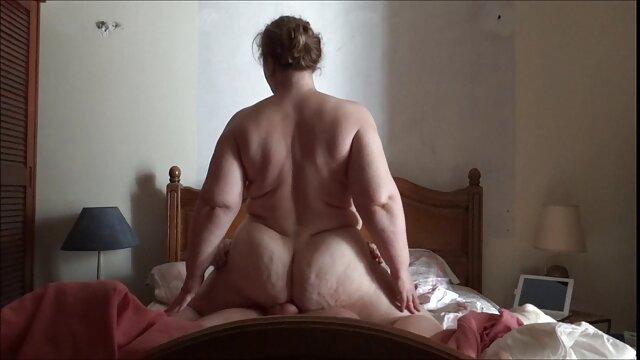 Kylie Kane - Kylie se deja llevar por un paseo - Mofos B videos eroticos de mujeres desnudas Sides