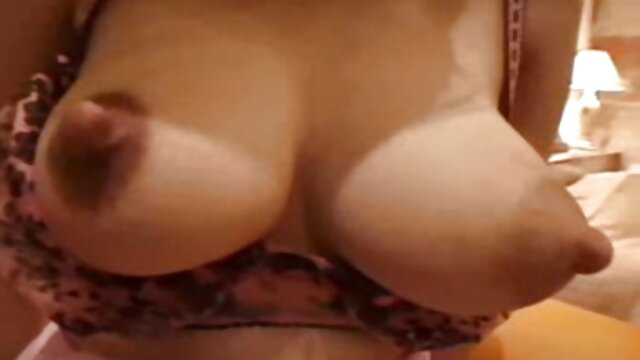 Penthouse Pet Jelena Jensen Dildo corridas eroticas golpea su húmedo coño humeante!