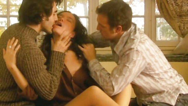 Chino videos de sexo erótico femdom trabajando con el pie