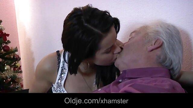 Déjame darte una videos eroticos de peliculas italianas paja en mis calientes pantalones de yoga blancos JOI