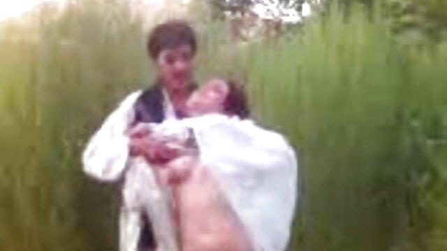 Kinky Asian videos eroticos ecuatorianos skank disfruta complaciendo la erección gorda de su hombre