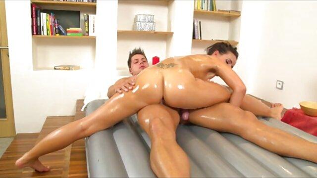 Apenas legal chica rusa de grandes videos eroticos en idioma español tetas monta tu gran polla