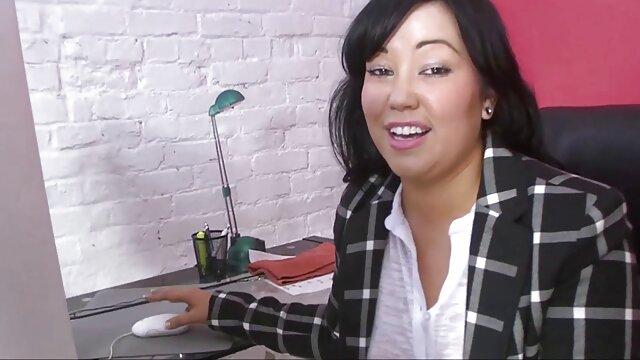 Danica Collins masturbación con videos eroticos españoles gratis la mano