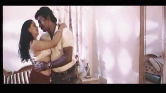 Nena tetona con pechos enormes videos eroticos esposas