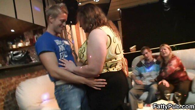 Adolescente de ébano con videos eroiticos un cuerpo increíble Ana Foxxx ama una polla blanca