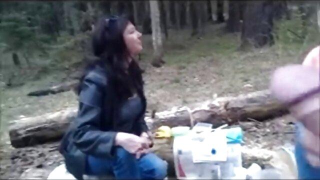 Asiática sabrosa disfruta dando videos eroticos con final feliz a su hombre una sesión de follada de tetas