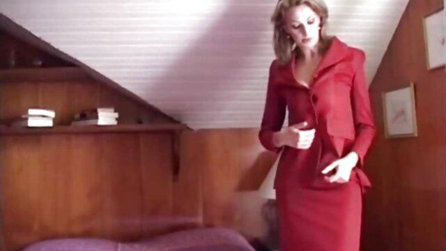 Semental barbudo trabaja en su polla venus videos eroticos bien gorda