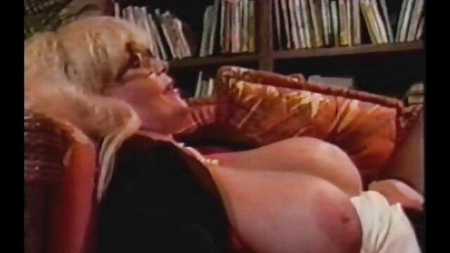Sexy modelo puta bailes eroticos al desnudo tiene primera experiencia de casting