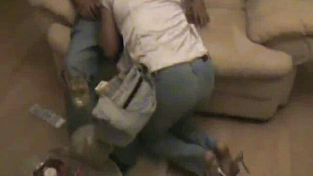 Rubia videos eroticos mujeres mayores caliente masturbándose y chorreando en la webcam