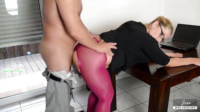 Rubia recibe corrida en grandes tetas después del dibujos animados eroticos sexo
