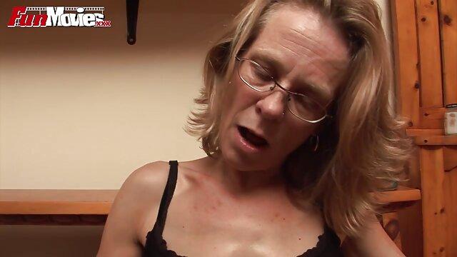 Sex Therapy - Doctora seduce a una video erotico webcam pareja para un trío