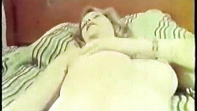 Joven ángel rubio se la follan duro al videos eroticos de nalgonas aire libre.mp4