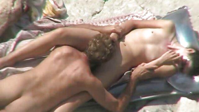 Violeta masturbándose video relato erotico