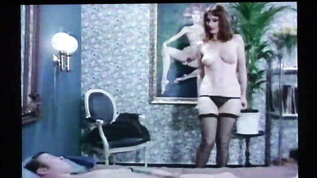Joven zorra 'Sasha G.' magistralmente chupa y folla una gran polla negra video erotiico