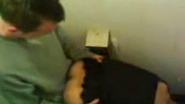 Karups - bailes eroticos xvideos La adolescente Britney Light follada por robar un paquete