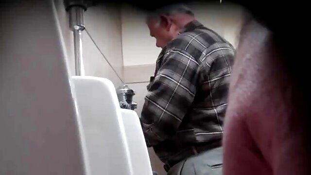 Gran culo de la abuela monta una polla dura videos masajes eroticos gratis