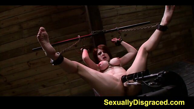 Penthouse Pet video erotico para chicas Jelena Jensen Dildo golpea su húmedo coño humeante!